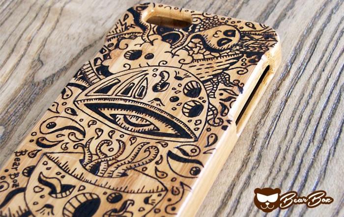 Cover in bamboo per iPhone - IL VASO DI PANDORA, fuga di pensieri